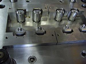 射出成形の量産受託まで一貫対応